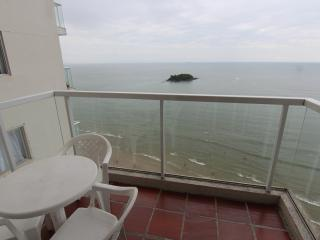 Charming seaview apartment in front of the beach. - Balneario Camboriu vacation rentals