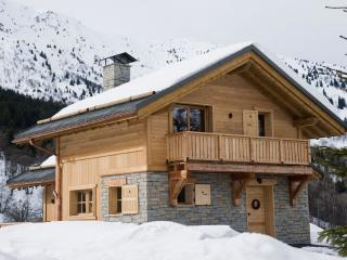 Gorgeous Les Allues vacation Chalet with Balcony - Les Allues vacation rentals