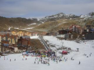 Perfect 4 bedroom Val Thorens Apartment with Internet Access - Val Thorens vacation rentals