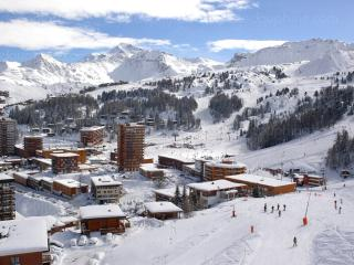 Cozy 3 bedroom Apartment in Belle Plagne with Balcony - Belle Plagne vacation rentals