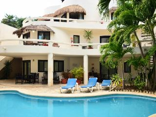 Blue Palms, 3 interconnected suites near the beach - Playa del Carmen vacation rentals