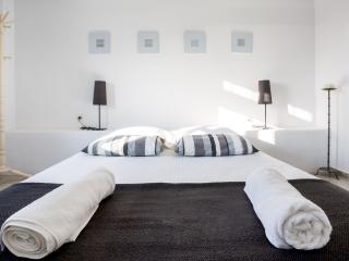 """Kea Villa Thea """"ilios' Deluxe Suite Villa - Vourkari vacation rentals"""