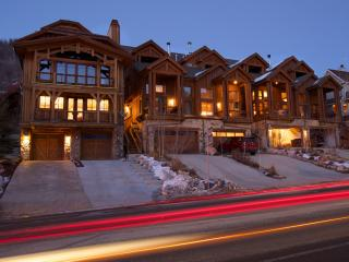 New Luxury 4 BR - Walk to Main St & Town Lift! Sleeps 15. - Park City vacation rentals