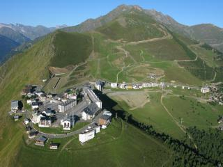 Appart 4/6 pers ski pied pistes St Lary Pla Adet - Saint-Lary-Soulan vacation rentals