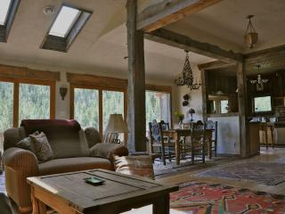 Lovely 2 bedroom Nederland Cottage with Satellite Or Cable TV - Nederland vacation rentals
