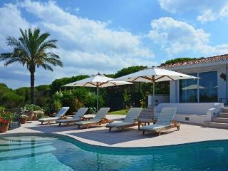 8 bedroom Villa with Internet Access in Capo Coda Cavallo - Capo Coda Cavallo vacation rentals