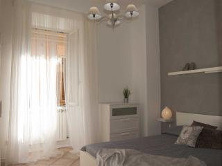 Santonofrio White Central Rome, Vatican and Trastevere - Roma vacation rentals