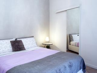 Santonofrio Silver Apartment - Roma vacation rentals