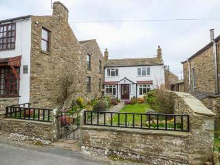 BRAESIDE, lawned garden, close to amenities, WiFi, Reeth, Ref 933619 - Reeth vacation rentals