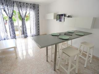 T406. Apartment in Costa Teguise. - Costa Teguise vacation rentals