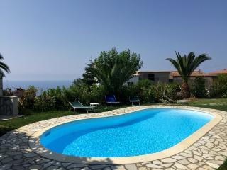 Bright 5 bedroom Villa in Sant'Agata sui Due Golfi - Sant'Agata sui Due Golfi vacation rentals