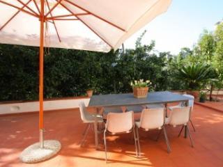 4 bedroom Villa with Water Views in Meta - Meta vacation rentals