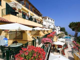 1 bedroom Apartment with Water Views in Sorrento - Sorrento vacation rentals