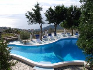Bright 6 bedroom Villa in Sant'Agata sui Due Golfi - Sant'Agata sui Due Golfi vacation rentals