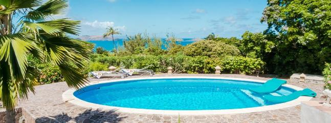 3 Bedroom Villa with Pool & Jacuzzi, Pointe Milou, sleeps 6 - Image 1 - Pointe Milou - rentals