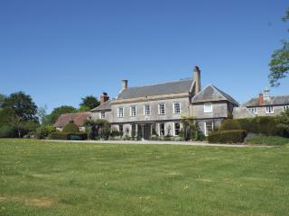 Comfortable 8 bedroom Compton Dundon House with DVD Player - Compton Dundon vacation rentals