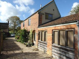 Lovely House with Internet Access and DVD Player - South Petherton vacation rentals