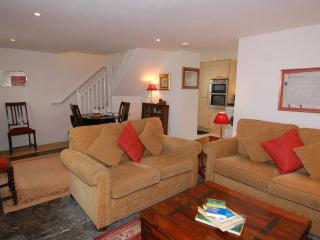 Lovely 2 bedroom Draycott House with Internet Access - Draycott vacation rentals
