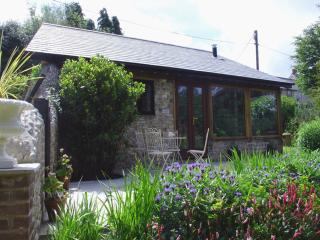 Puffin Cottage, Hawkchurch, Devon - Hawkchurch vacation rentals