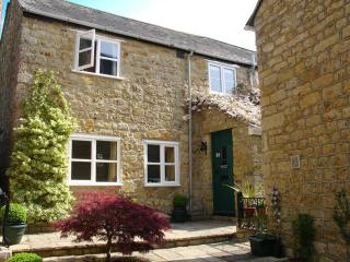 Lovely 2 bedroom Beaminster House with Internet Access - Beaminster vacation rentals