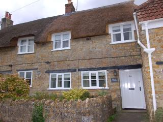 Charming House in Beaminster with DVD Player, sleeps 3 - Beaminster vacation rentals