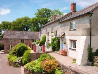 Lower Toft Farmhouse, Roadford Lake, Devon - Beaworthy vacation rentals