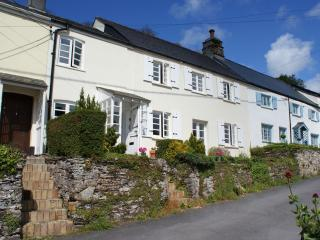 Comfortable 3 bedroom Noss Mayo House with DVD Player - Noss Mayo vacation rentals