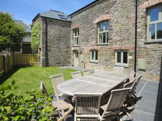 Lovely House with Internet Access and DVD Player - Woolston vacation rentals