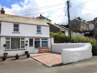Nice House with DVD Player and Microwave - Port Isaac vacation rentals