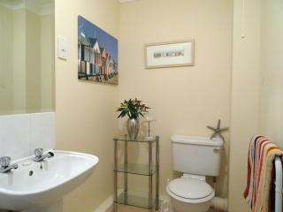 Lovely 3 bedroom Maenporth House with Internet Access - Maenporth vacation rentals