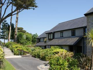 Lovely House with Water Views and Shared Outdoor Pool in Falmouth - Falmouth vacation rentals