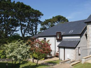 Pine Cottage, Maenporth, Cornwall - Maenporth vacation rentals