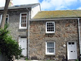 Cozy 3 bedroom Mousehole House with Internet Access - Mousehole vacation rentals