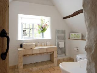 3 bedroom Cottage with Washing Machine in Southrop - Southrop vacation rentals