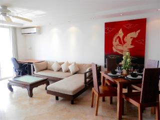 HS4 Gorgeous Condo with Swimming Pool - Chiang Mai vacation rentals