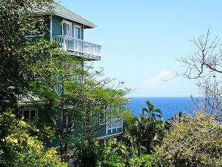 Comfortable House with Deck and Dishwasher - West Bay vacation rentals