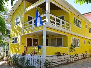 2 bedroom House with Deck in West Bay - West Bay vacation rentals