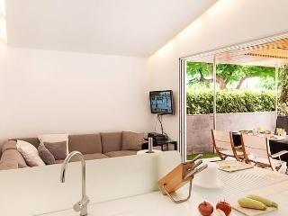 Comfortable Condo with Internet Access and Dishwasher - Maspalomas vacation rentals