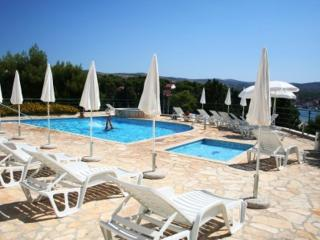 Fabulous swimming pool Apartment Sunnyview - Cove Makarac (Milna) vacation rentals