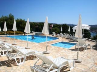2 Great Swimming Pools & Terraces, Just 100m to Beach, Fabulous Balcony Views - Cove Makarac (Milna) vacation rentals