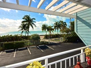 Beachfront Breeze - Gorgeous Condo w/ Breathtaking Views. Pool & Hot Tub - Key West vacation rentals