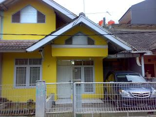 Nice House with Television and Washing Machine - Bandung vacation rentals