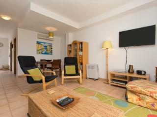Beautiful Townhouse with Internet Access and Dishwasher - Alcossebre vacation rentals