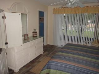 Beautiful 2 bedroom Condo in Cocoa Beach - Cocoa Beach vacation rentals