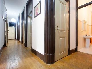 New! 5 rooms big apartment at Anjos - Lisbon vacation rentals