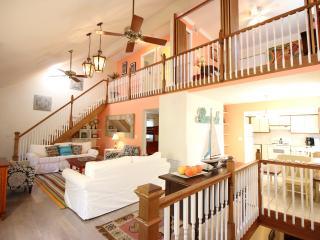 Casa Van Lopik (j)- Your lush island getaway! - Siesta Key vacation rentals