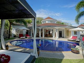 Luxurious Villa Lotus with private pool and maid - Nai Yang vacation rentals