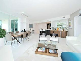 The East - 3 Bedrooms + 2 Bathrooms - Sunny Isles Beach vacation rentals