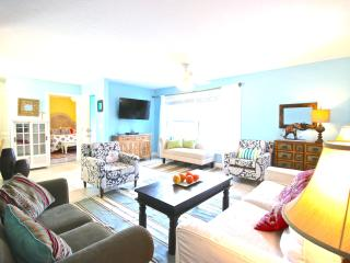 Old Man & the Sea Inn 2BR - 1 marlin from the sand - 1 - Siesta Key vacation rentals