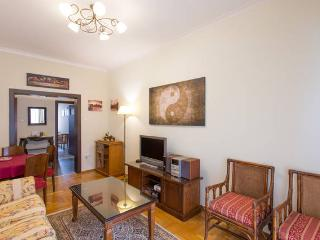 A Homely 2 Bedroom Apt in Piraeus - Piraeus vacation rentals